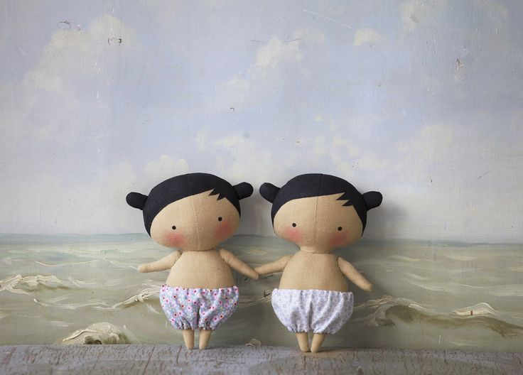...such a cute pair of little tilda dolls!  i am patiently waiting for my book to create one...or maybe even more!! =0)))