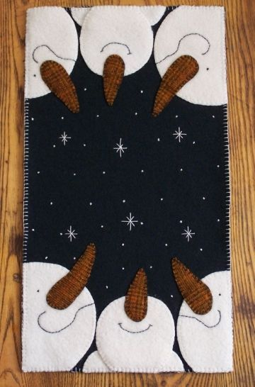 """Oh Snowy Night"" Pattern-snowman, snowmen, christmas, snow, winter, pattern, penny rug, candle mat, wool, wool felt, woolfelt, cath's pennies designs"