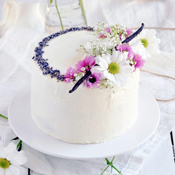 Naked cake à la vanille - Vanilla naked cake recipe / Marie Claire Idées