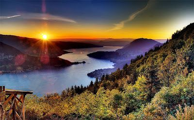 TOP WORLD TRAVEL DESTINATIONS: Lake Annecy France