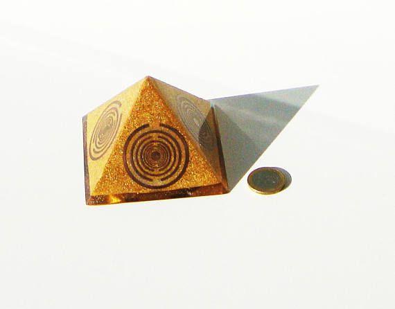 Orgone orgonite® powerful golden pyramid quintuple power 5