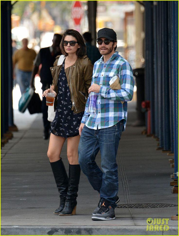 Jake Gyllenhaal & Girlfriend Alyssa Miller Hold Hands in NYC