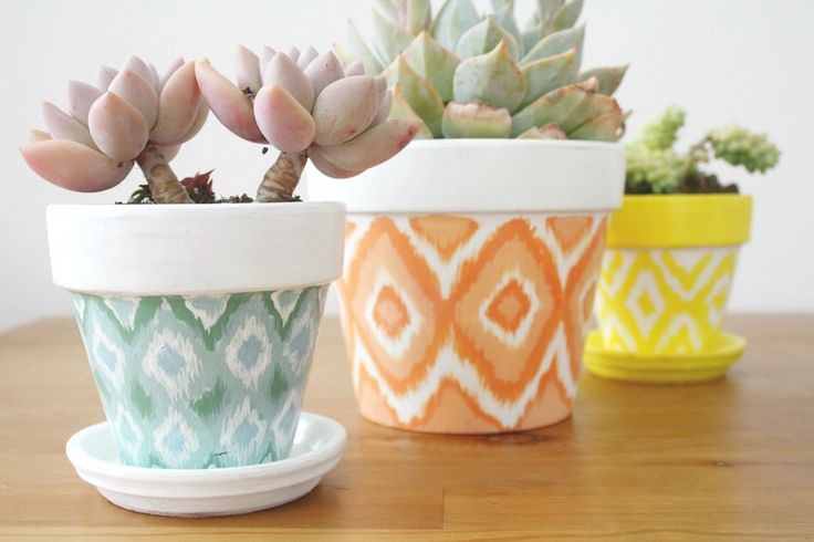 How to paint a faux ikat pattern. >>I love this, want with succulents. Lots and lots of succulents.