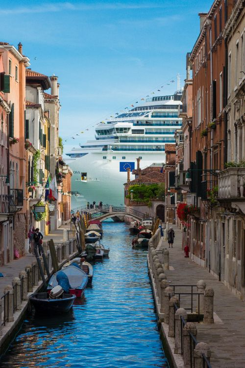 Venice is a cheek-by-jowl, back-of-the-hand, under-the-counter, higgledy-piggledy, anecdotal city, and she is rich in piquant wrinkled things, like an assortment of bric-a-brac in the house of a wayward connoisseur, or parasites on an oyster-shell. - Jan Morris, Venice  http://porthole.com
