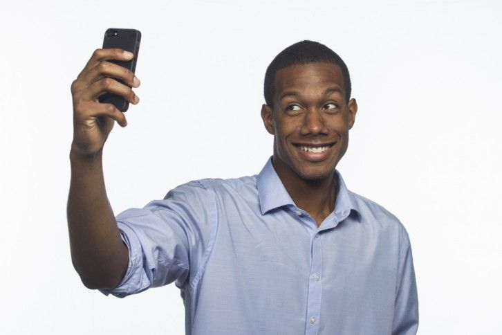 Tips for taking your own photo for your LinkedIn profile pic