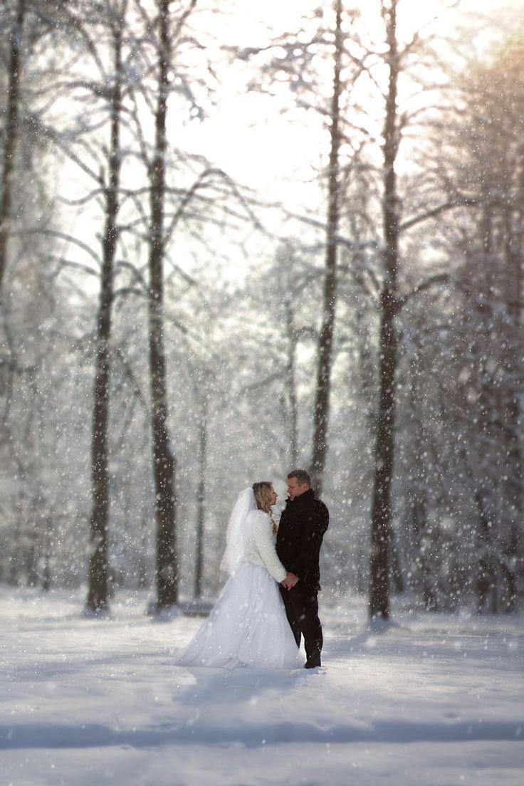 Snowy love by Simon Pytel on 500px
