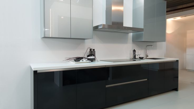 ZEROX Sleek modern lines, combine with the use of the most cutting edge materials available today.