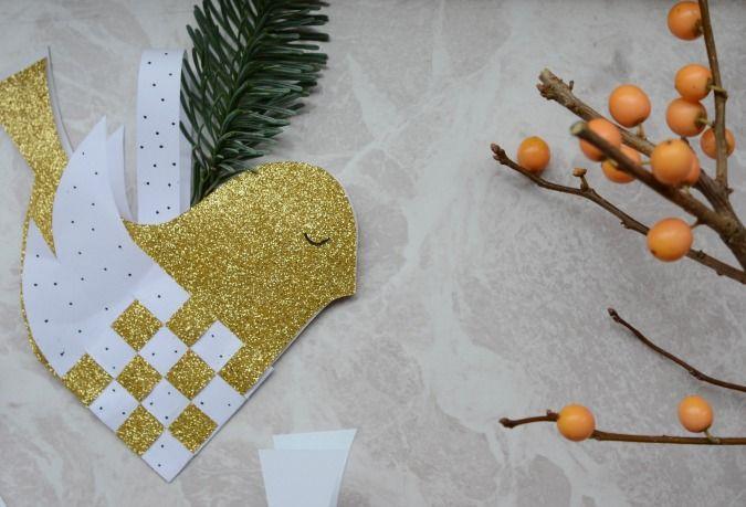 Lav din egen julepynt - download skabelon til en lille flettet fugl her!