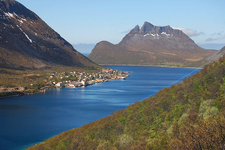 Gryllefjord. Ferry Ports from Andenes, Andoy. Connection between National Tourist Andoy and National Tourist Senja. Photo: Roger Ellingsen