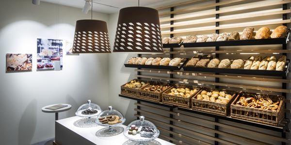 L'illuminazione affascina perché è in grado di invogliare i consumatori ad aquistare ciò che vedono http://ow.ly/krpi30bEOQq #LED #retail #Oktalite - Servizi - Showroom