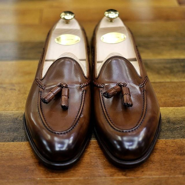 Edward Green Belgravia tassel loafers in dark oak antique. @edwardgreen1890 #edwardgreen