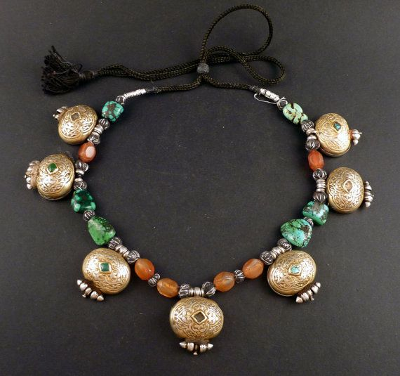 "Old Silver tibetan ""ga'u"" amulet boxes necklace, with turquoise and carnelian beads, tibetan jewelry, buddhist amulet, ethnic and tribal"