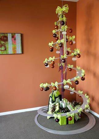 Árvore de natal em espiral estilo minimalista