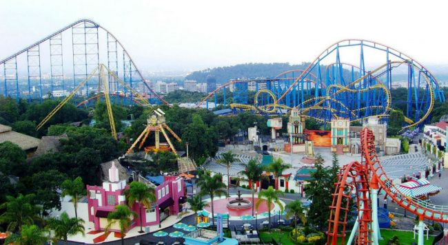 things to do in mexico city:Six Flags Mexico