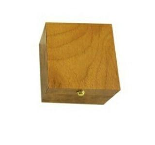 Kotak box tempat cincin perhiasan aksesoris ekslusif  HARGA UNTUK 1 KOTAK CINCIN / HARGA ECERAN HARGA GROSIR ADA DI ETALASE LAIN 1 KG BISA MUAT 40 KOTAK  Tempat perhiasan bisa untuk cincin/anting material : MDF ukuran luar : 5 x 5 x 3.5 cm dalam 4.5 x 4.5 x 3 cm. tebal busa 12cm  Harga: 23000  Utk Order & Pertanyaan add:  Whatsapp / sms : 0823 1222 3338  Line / Snapchat: manekihoki  Pin : maneki  #manekihoki  #maneki_acc #ootd #musthave #perhiasan #aksesoris #fashion #aksesorispria #cincin…