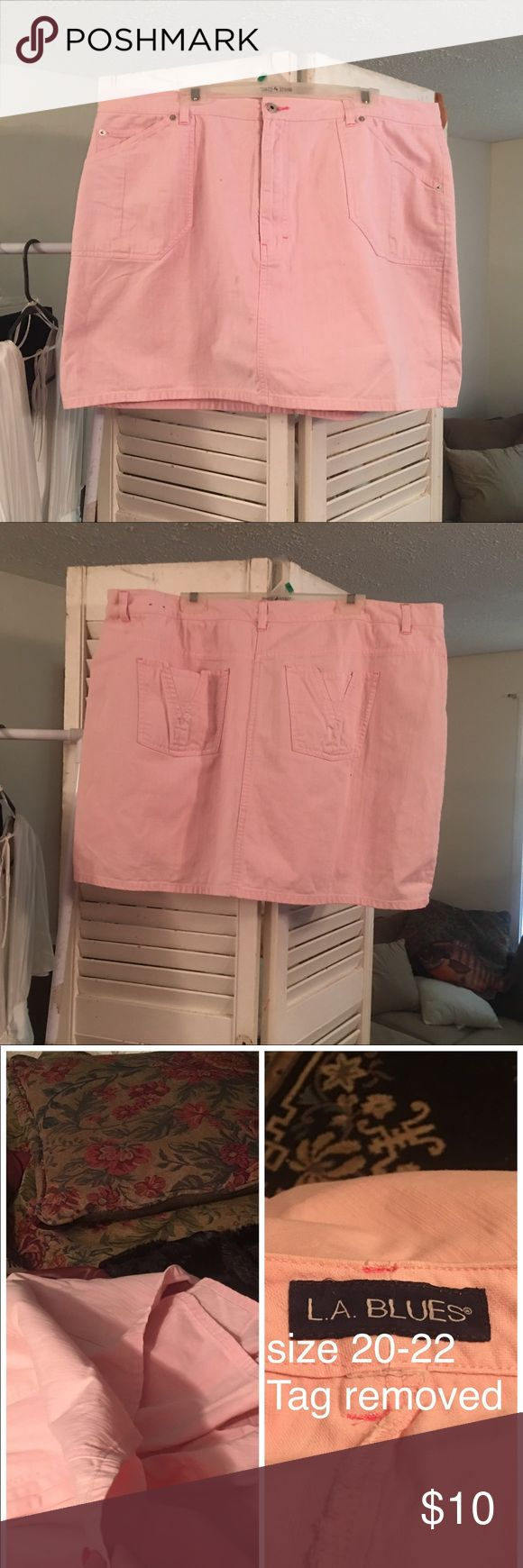 "SKORT/Shorts PINK-JEAN Material Size 20 L A BLUES L A BLUES SKORT -Pink Skirt Front and Back with SHORTS Concealed SLIMMING can't beat this Skort Convience with Style looks like a Mini Skirt without the fear of a ""Money Shot"" Size 20-22 L A BLUES Shorts Skorts"