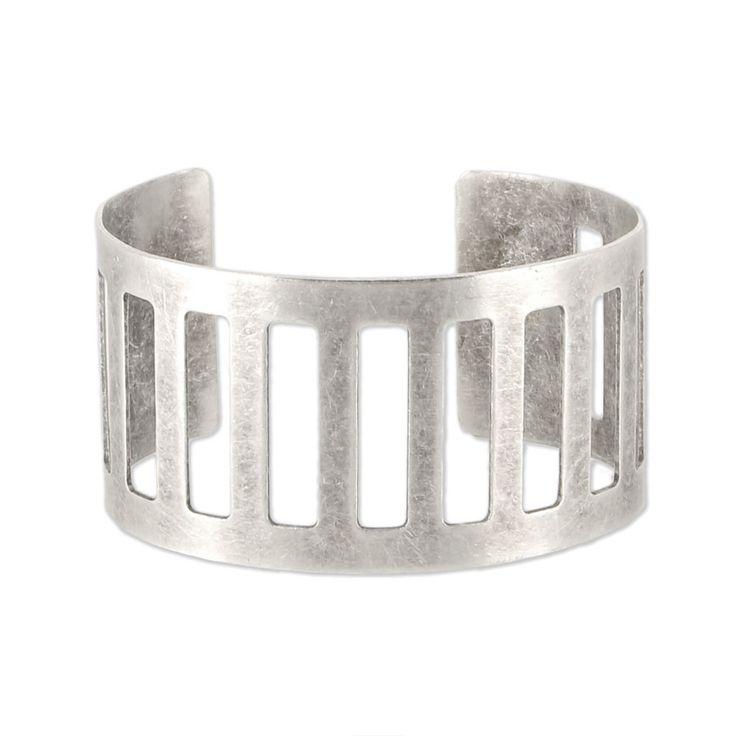 Bracelet manchette ajouré 35 mm argenté vieilli x1 - Perles & Co #bracelet #manchette #argenté #jewel #silver #jewelry #tissage #loisirscreatifs #tuto #diy #doityourself