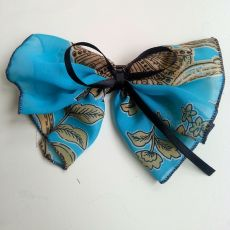 Çiçekli Mavi Fiyonk Toka