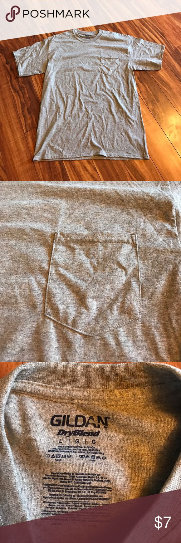 Basic Grey pocket T-shirt In perfect condition  basic pocket T-shirt Gildan Shirts Tees - Short Sleeve