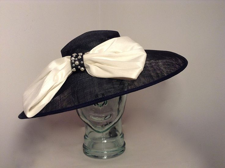 Hat 1476 Navy Ivory