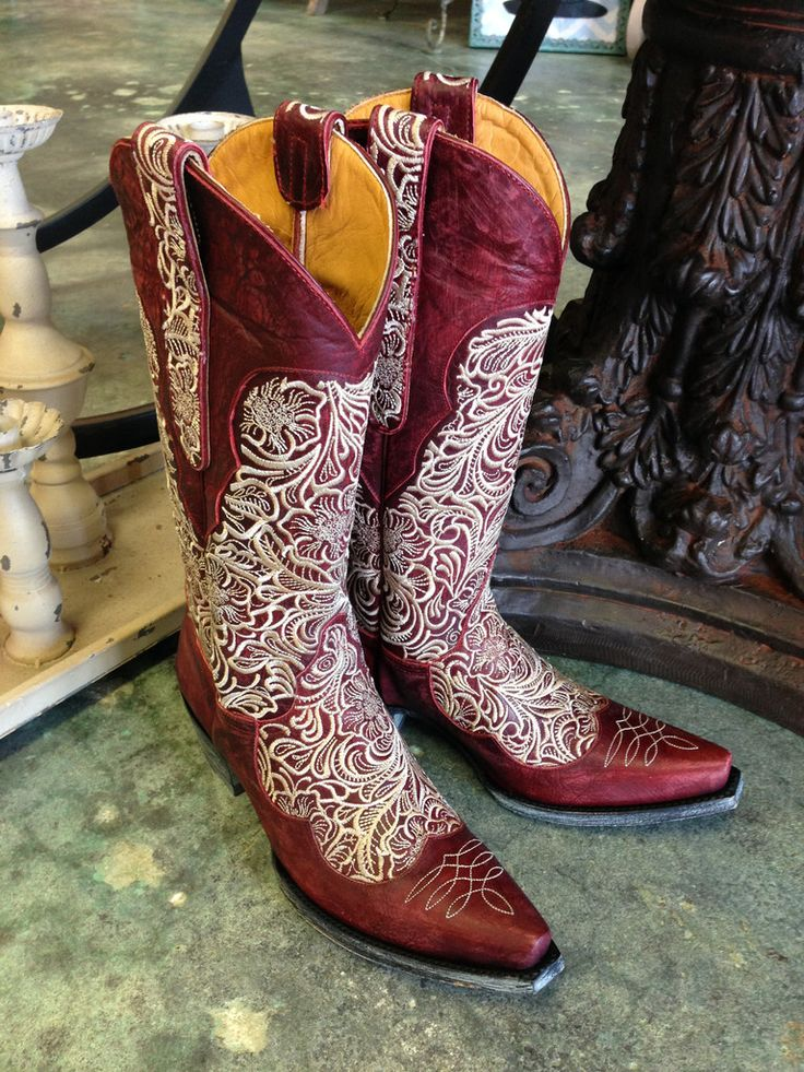 Ladies Old Gringo Feita Red Cowboy Boot Style L2025