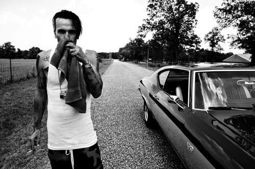 yelawolf has a voice that i can feel deep down in my soul