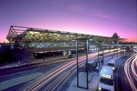 Where To Eat At Oakland International Airport (OAK)