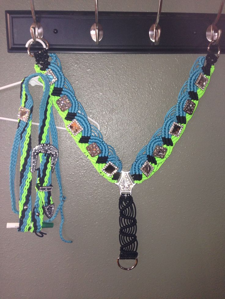 Paracord breast collar and headstall horse stuff for Paracord horse bridle