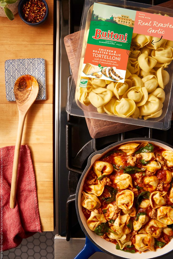 You can fit a lot of Italian inspiration into one skillet. This fresh, family-sized sausage and marinara dish is a classic example. And in old-world fashion, it's made with no GMO ingredients.