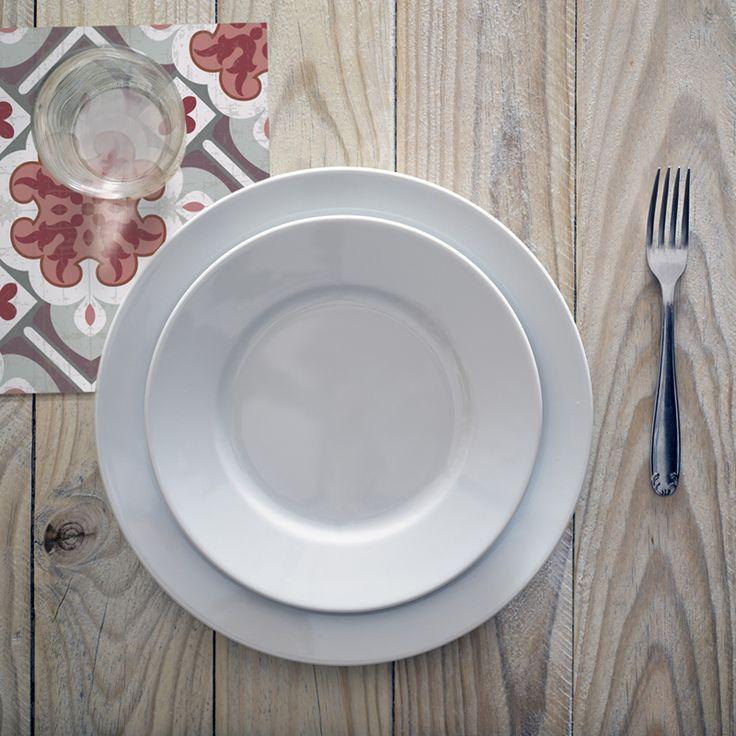 Condimenta tu mesa con nuestros Posavasos. ·Modelo Clásico Posavaso Princess_R· #adamaalma #posavasos #coaster #vinilo #design #baldosas #baldosashidráulicas #decor #decoración #mesa #table