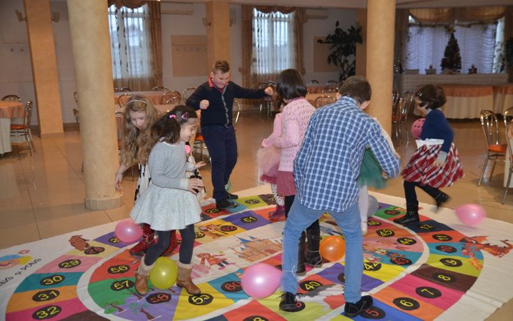 Jocuri pentru copii – Baloane saltarete pentru 7-10 ani Kids games for 7-10 years with baloons  sursa: www.pingsipong.ro
