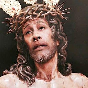 Condenado a pagar 480 euros por publicar en Instagram un montaje de la imagen de Cristo con su cara. La sentencia considera al acusado culpable de un delito contra los sentimientos religiosos. Agencias | El País, 2018-01-07 https://politica.elpais.com/politica/2018/02/07/diario_de_espana/1518019966_395726.html