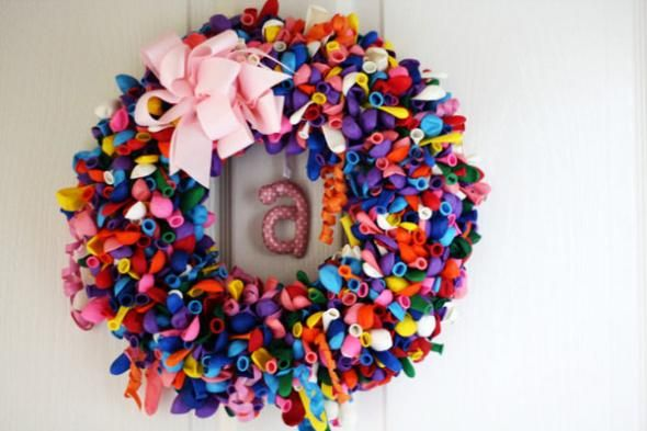 DIY Birthday Balloon Wreath