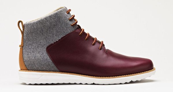 Seven-eyelet plain front cemented boot in Oxblood full grain leather and Grey wool. Also available in: Black leather/Grey wool