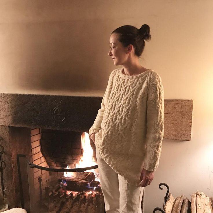 いいね!4,528件、コメント26件 ― 桐島かれんさん(@houseoflotuskaren)のInstagramアカウント: 「なんと、このセーター、ニットデザイナーの三國万里子さんが私のために編んでくれたものなのです!「こんなセーターが着たい」という私のリクエストに合わせて編み上げて下さったのは、軽やかでゆったりとしたアランセーター。三國万里子さん待望の作品集「うれしいセーター」に、編み図付きで作り方が載っています!…」