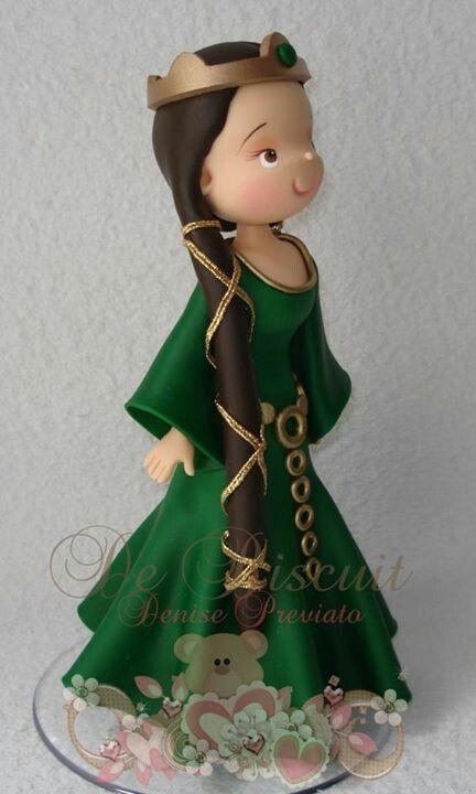midevil princess in clay (photo)