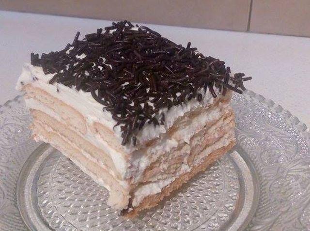 papatrexas.gr: Γρήγορο και πεντανόστιμο γλυκό ψυγείου με μπισκότα...