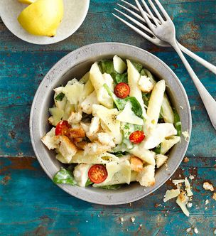 Creamy chicken and spinach pasta
