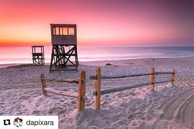 #Repost @dapixara ・・・ Uplifting sunrise Today from Nauset beach in Orleans, Massachusetts. #capecod photo by @dapixara dapixara.com .…