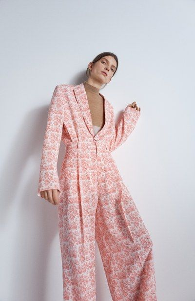 See the full Pre-Fall 2018 collection from Joseph.