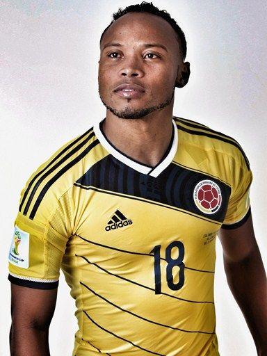 Las fotos oficiales de #Colombia #Fifa #Brasil2014 - Camilo Zuñiga