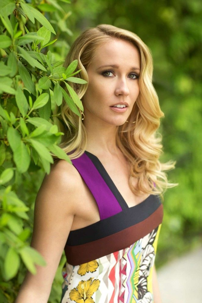 Anna Camp naked