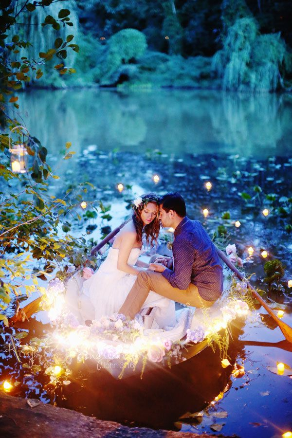 "A ""Little Mermaid"" engagement shoot inspired by the ""Kiss The Girl"" scene from the movie. So romantic! 
