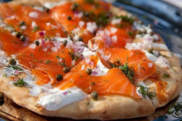 Итальянская пицца с лососем