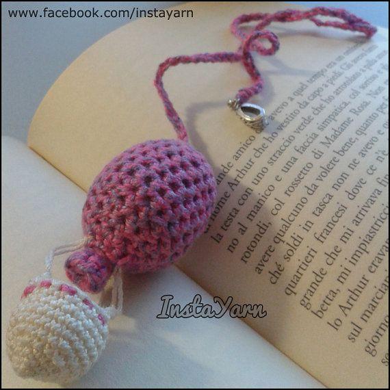 Segnalibro amigurumi mongolfiera, perfetto come idea regalo di Natale per un amante dei libri o dei viaggi! - InstaYarn
