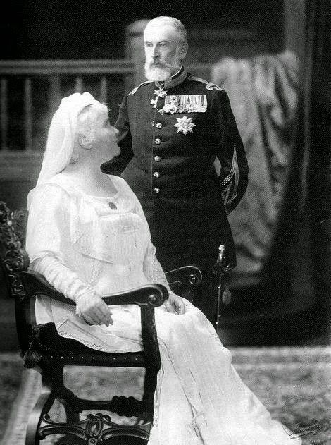 royaltyandpomp:  THE KINGS  HH.MM. Queen Elisabeta and King Carol I of Romania