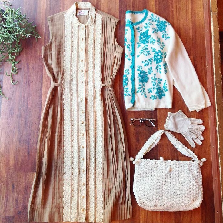 For the crisp Fall days to come 50s lace pleated shirt dress: Sz S $45 60s teal embroidered cardigan: Sz S $36 Crochet purse $48 Ivory gloves: $14 Comment or DM with email and postal code to purchase.  #vintage #vintagefashion #50s #vintagedress #vintagestyle #fallfashion #60s #50sdress #shop #instashop #shopvintage