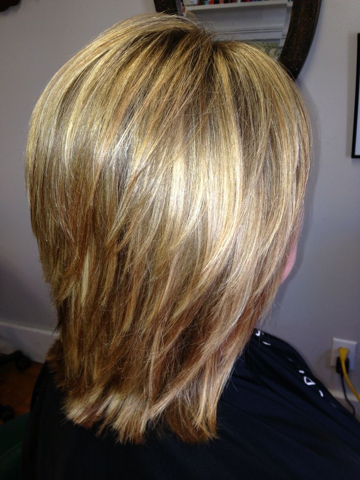 styling textured hair medium length style with layers for texture and movement 8432