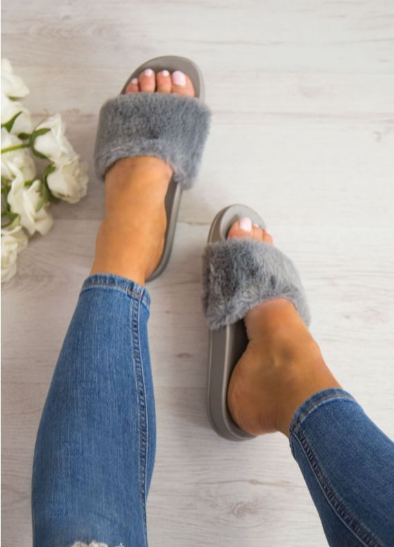 Walk Away Fluffy Sliders in Grey