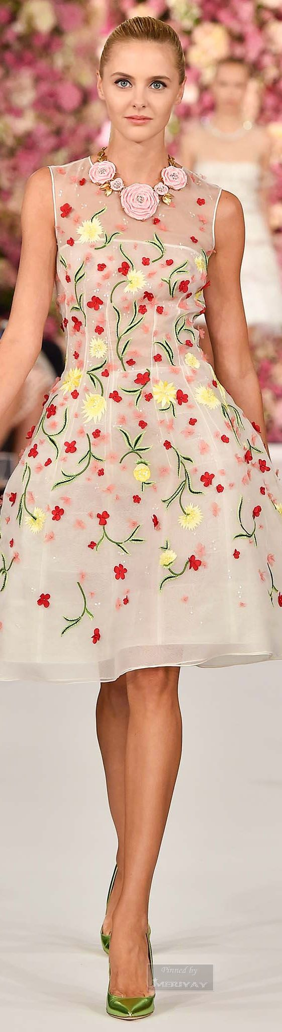 Oscar de la Renta.Spring 2015. I would dawn this little fancy for tea with a beautiful hat..